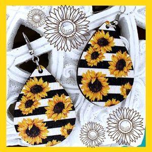 Sunflower Stripe Teardrop Lightweight Wooden NWT